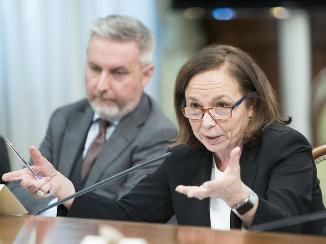 Governo, niente accordo sui decreti sicurezza «No all'aboli