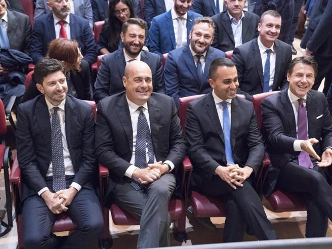 Zingaretti: no ai picconi, il Pd non ha avversari dentro la coalizione