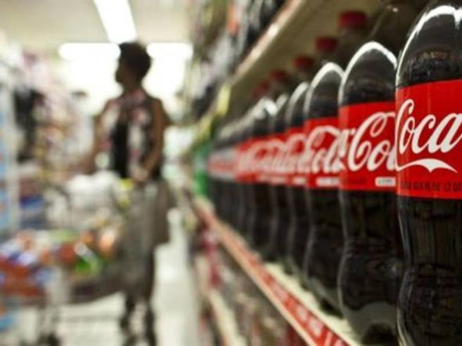 Coca Cola, il ministero richiama alcuni lotti: «Rischio corpi estranei»