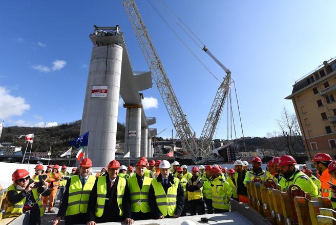 Ponte Morandi, completati i 18 piloni del nuovo viadotto di Genova