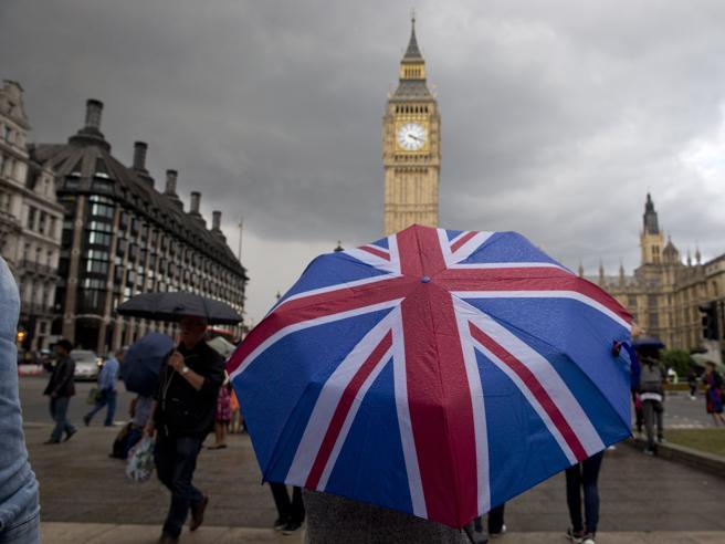 Brexit,  il gioco dell'oca britannico