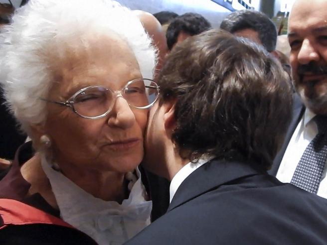 «Il suo abbraccio ripaga le offese, non sono fascista»