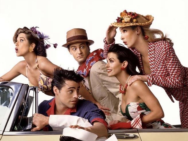 «Friends», confermata la reunion del cast. Compensi stellari per uno speciale