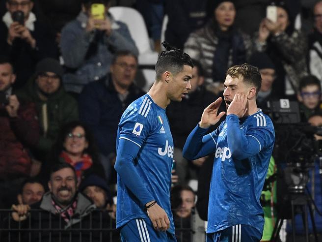 Spal-Juventus 1-2, Ronaldo (da record) e Ramsey a segno, vetta confermata