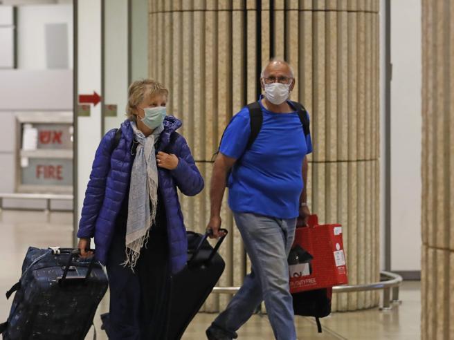 Coronavirus, il decreto per l'emergenza: non si può uscire d