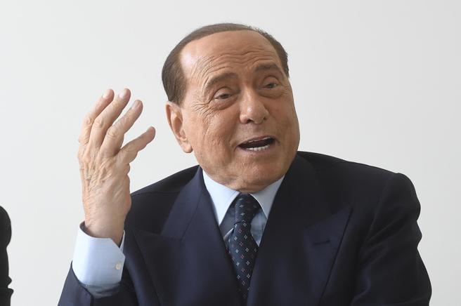 Coronavirus: Berlusconi avrebbe lasciato Milano per rifugiarsi nei pressi di Nizza