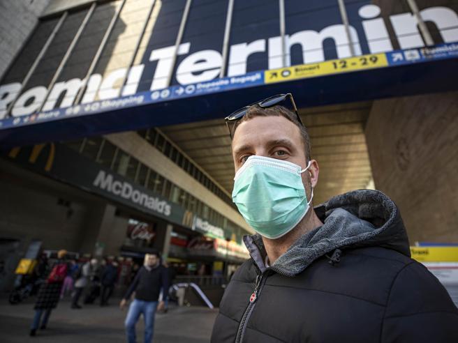 Coronavirus, migliaia di italiani in attesa di tornare dall'estero: ecco voli, traghetti e pullman già programmati