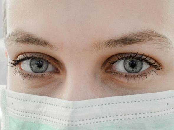 Emergenza mascherine: iniziano a produrle le aziende di moda