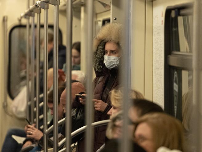 Coronavirus, così la  Lombardia «controlla» i movimenti via cellulare