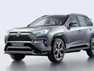 Rav 4 alla spina: anche Casa Toyota scopre la bellezza del plug-in