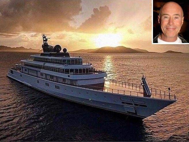 Coronavirus, il miliardario David Geffen e il post stonato su Instagram: «In quarantena sullo yacht per evitare il virus. State a casa»