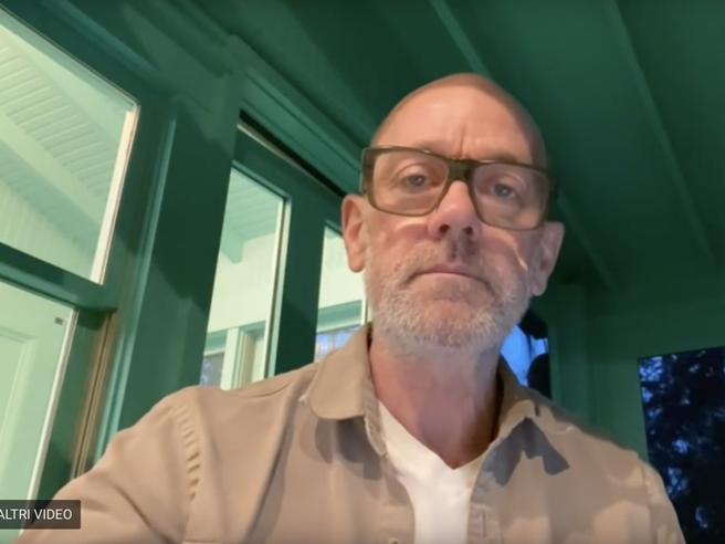 Michael Stipe, ex   R.e.m, torna con una canzone contro il Coronavirus