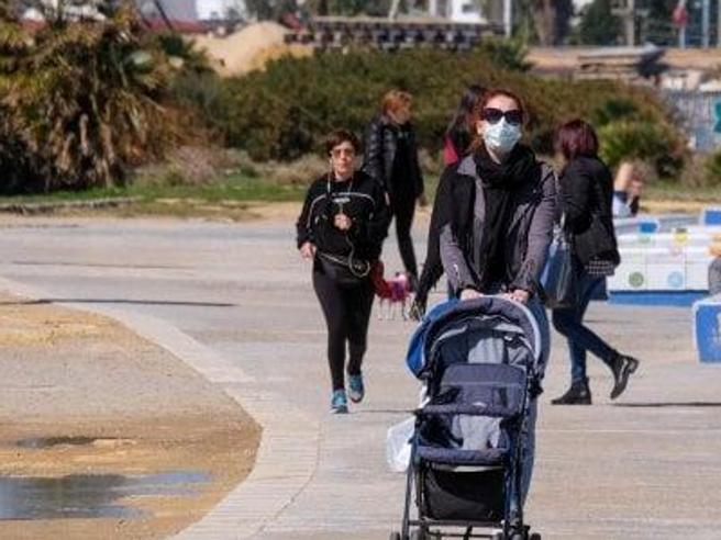 Sì  a passeggiata genitore figlio vicino a casaGallera: «Un