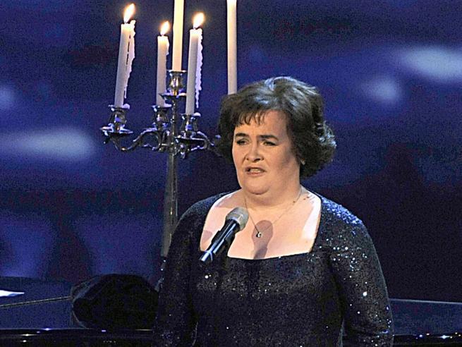 Susan Boyle, che fine ha fatto la voce-fenomeno dei talent britannici. Dall'infanzia difficile al successo