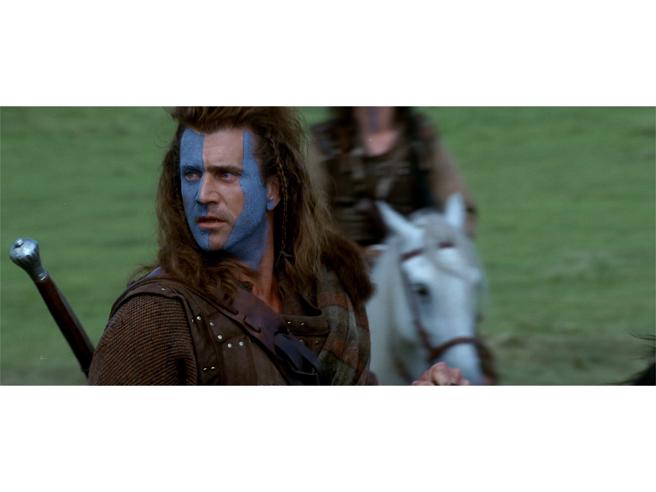 Braveheart stasera in tv. Gli animalisti contro Mel Gibson, il kilt anacronistico e il rifiuto di Sean Connery: i 15 segreti