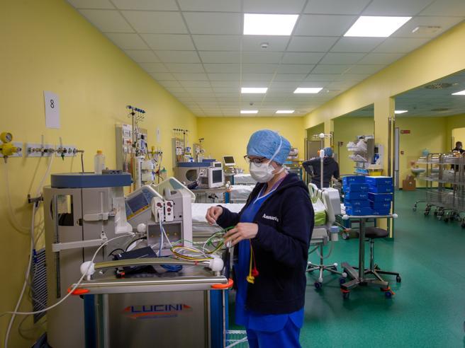 In Lombardia oltre 4 mila contagi tra medici e operatori sanitari|I dati