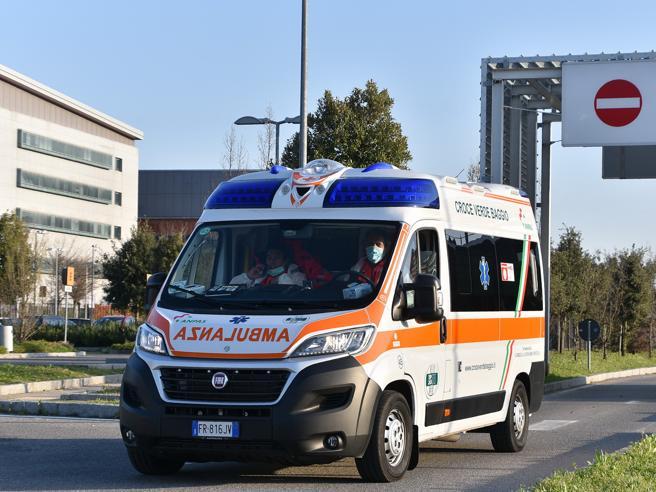 Bergamo, bimba di 3 anni ingoia le pile di un orologio e muore soffocata