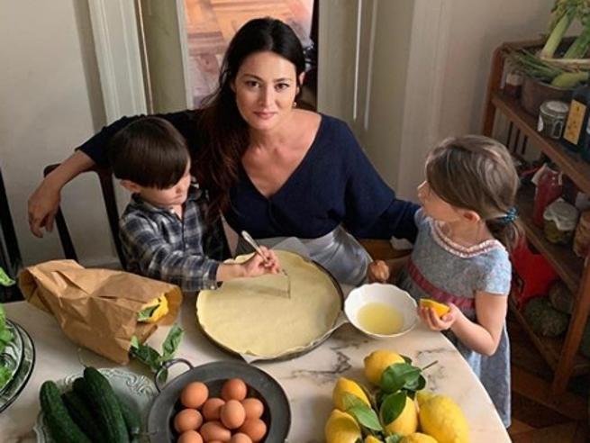 Cosa cucinare il giorno di Pasqua: «Agnello croccante e casseruola di uova e asparagi per un rito di famiglia»