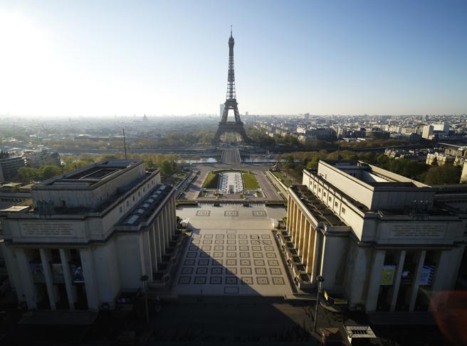 La Francia supera i 10 mila morti:  è il terzo Paese europeo più colpito