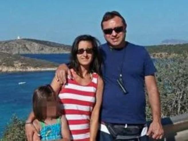 Coronavirus, in una settimana perde il padre e poi il marito carabiniere: «Adesso vivo per mia figlia»