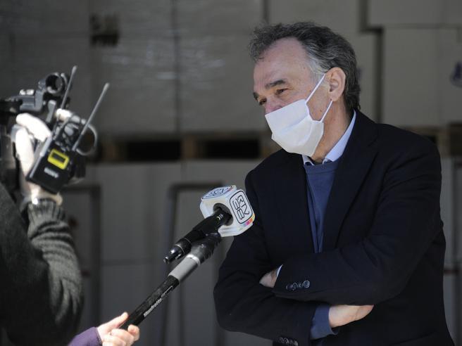 Toscana, l'ordinanza di Rossi per 3.500 contagiati: trasferitevi negli alberghi sanitari, così tutti più sicuri