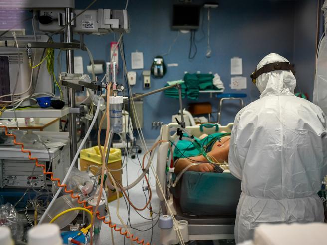 Non solo polmoni, il coronavirus fa male anche a cuore, reni e cervello