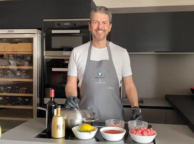 La ricetta del ragù veloce dello chef Andrea Berton (da fare in 20 minuti)