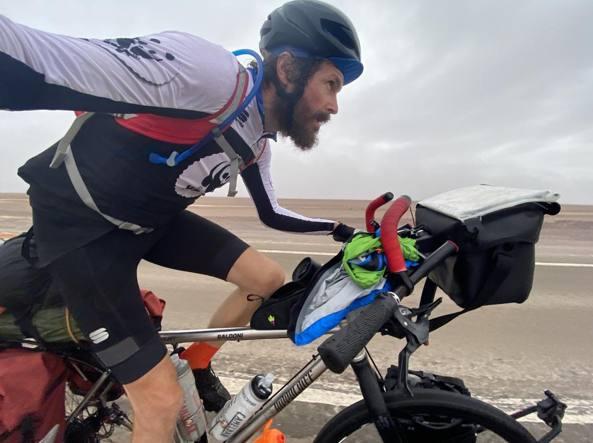 Jovanotti «Non voglio cambiare pianeta», 4mila km in bici per RaiPlay