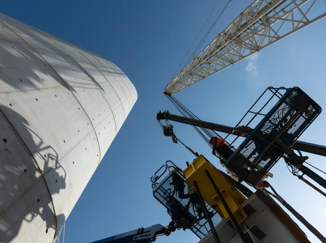 A carena di nave e lungo 1.067 metri, è quasi pronto il nuovo ponte di Genova. Martedì il completamento