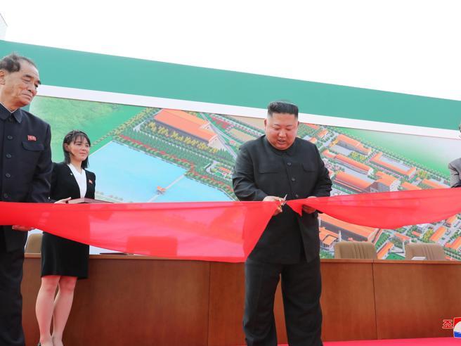 Nord Corea, Kim Jong-un torna in pubblico dopo tre settimane