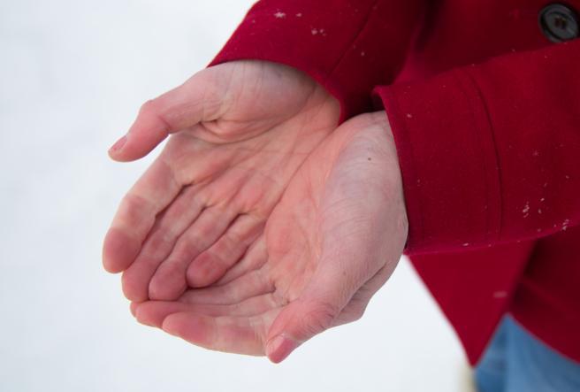 Dai geloni all'orticaria: Covid-19 fa male anche alla pelle