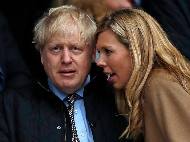 Coronavirus in Gran Bretagna, Boris Johnson a The Sun: «Ho ricevuto litri e litri d'ossigeno»