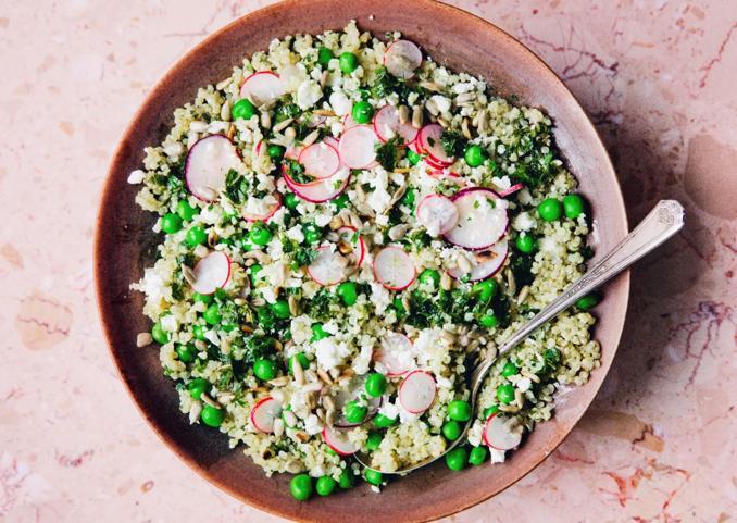 Insalata di quinoa alle erbe aromatiche