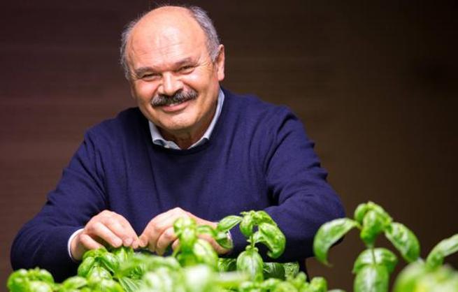 Oscar Farinetti: «A Milano ho chiesto mezza piazza XXV Aprile per i tavoli di Eataly»