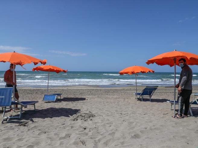 Riapertura spiagge libere e stabilimenti dal 18 maggio: le linee guida di governo e regioni