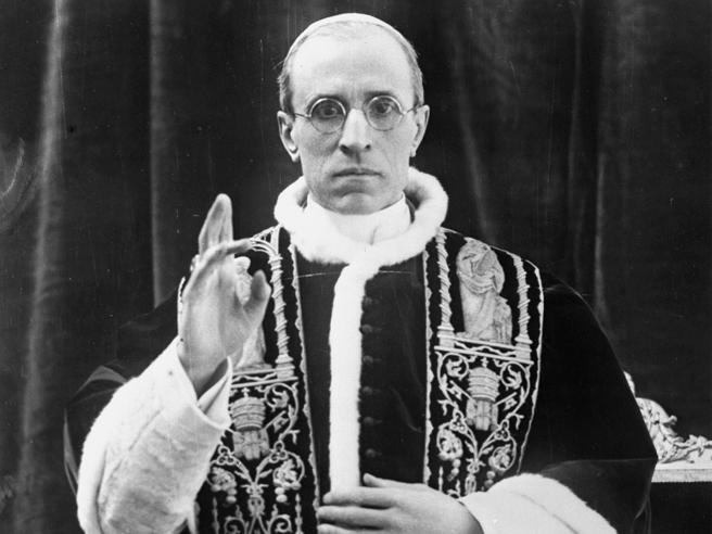 Le indecisioni della Chiesa di Pio XII nei rapporti con  i regimi fascisti