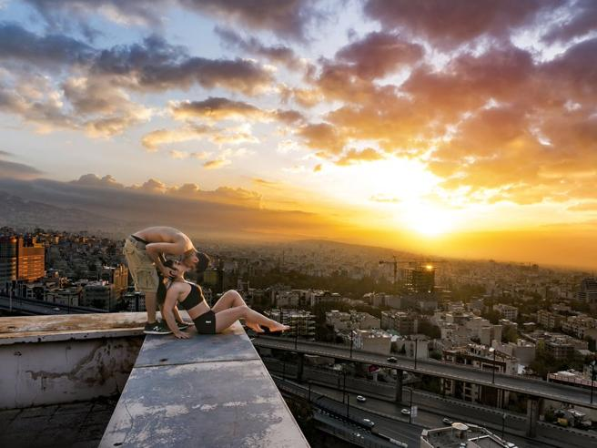 Iran, baci proibiti sui tetti. Arrestato il campione di parkour