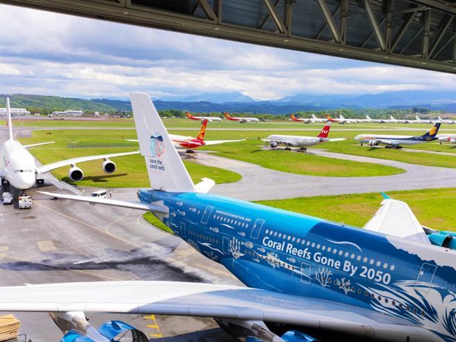 A Teruel, il maxi-parcheggio degli aerei d'Europa a terra per il Covid