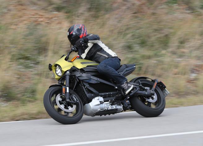 Harley elettrica: l'emozione abbassa la voce. Il nostro test sulla LiveWire
