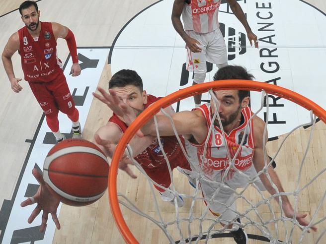 Basket, la Lega serie A ha 50 anni: da Porelli a De Michelis fino a Gandini, la festa per il mezzo secolo nella stagione più difficile