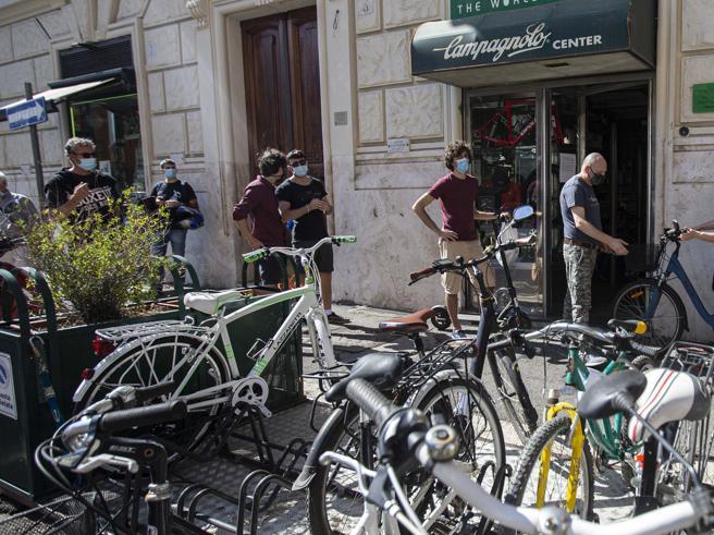 Bonus bici, solo 120 milioni di fondi: molti resteranno a secco. Il rischio di un gigantesco  «clic day»
