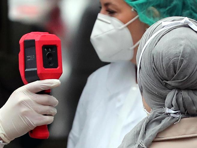 Il coronavirus si è indebolito? Ecco cosa ne pensano i virol