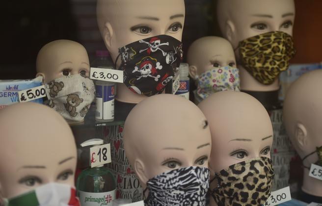 La conferma di Science: le mascherine riducono la trasmissione aerea del virus