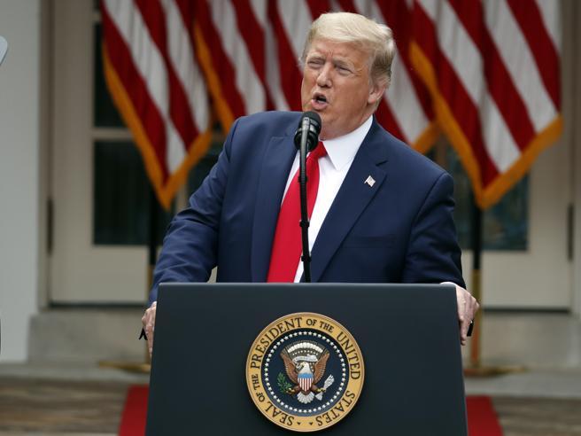 Da Trump sanzioni contro la Cina: «Non ha garantito l'autono