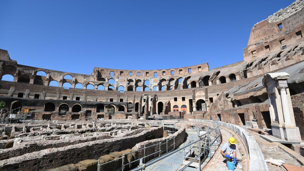 Lavori di manutenzione al Colosseo (Lannutti/Imagoeconomica)
