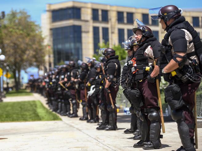 Morte Floyd, proteste in tutti gli Usa notizie in tempo reale