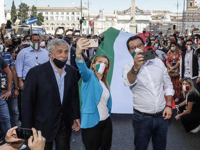 La manifestazione del centrodestra il 2 giugno a Roma, in diretta