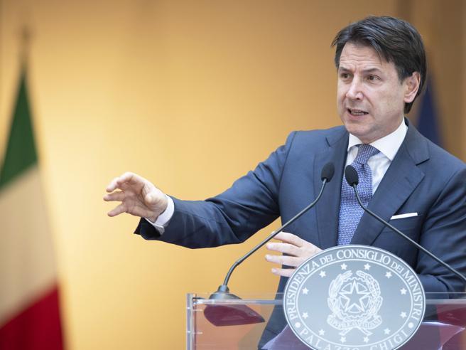 Conte: «Sui fondi Ue confronto con tutti, non è un tesoretto del governo»