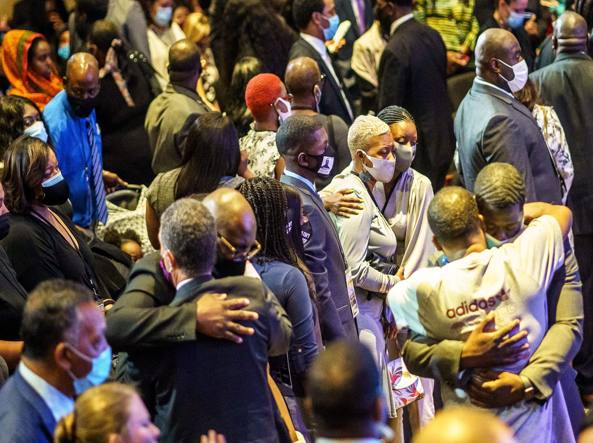 George Floyd, funerali a Minneapolis: «Uniti per cambiare l'America»