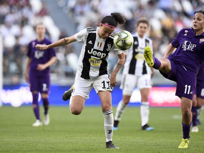 Serie A donne cancellata: l'autogol delle calciatrici (poco professioniste)